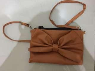 Sling bag ribbon brown