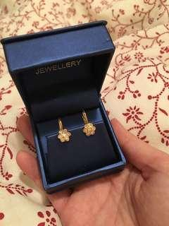 18k gold and diamond floral earrings