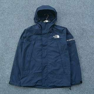 Jaket the north face outdoor navy