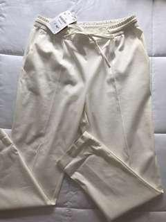 Zara white pants size medium