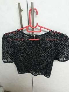 🚚 Lace Cropped Top