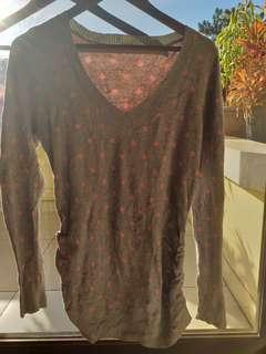 118 Old Navy Maternity Top M