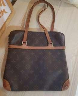 Good Condition LV Sac Coussin GM Monogram thn 2001 with db pengganti