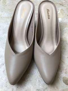(Price reduced) Bata Beige Mules / Slide On Mid heels