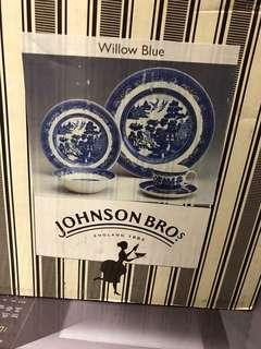 Jhonson Brother set of dishes