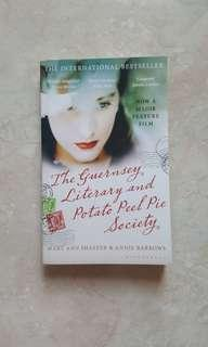 The Guernsey Literary and Potato Peel Pie Society - Mary Ann Shaffer & Annie Barrows