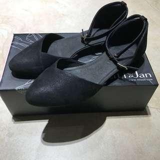 🚚 Lili Jan 繫帶涼鞋 25 黑