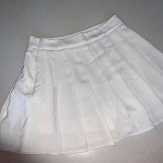 🚚 white tennis / skater skirt