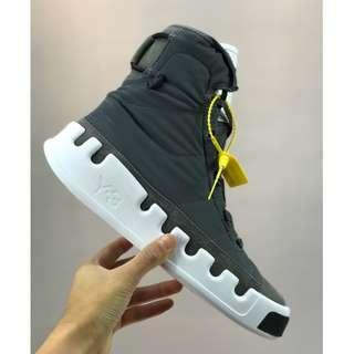 Adidas Y-3 Kasabaru High卡薩巴魯系列傘繩纏繞設計前衛高幫板鞋三本耀司19SS季跳傘主題!灰白頭層+防水尼龍布材質!