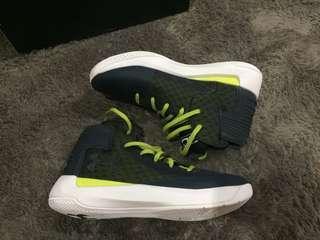Sepatu basket Under Armour Curry 3 zero, size 44, like new