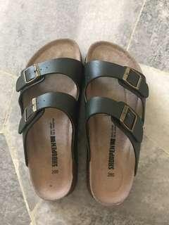 "Shoopen ""Birkenstock"" sandals"