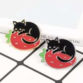 🚚 [BUY 3 FREE 1] cat resting on strawberry enamel pin