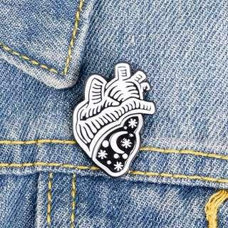 🚚 [BUY 3 FREE 1] GOTHIC night heart enamel pin