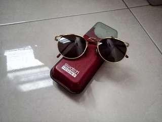 kacamata gaya (Ori)