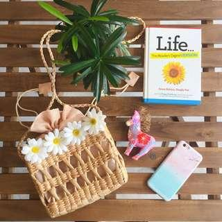 Rattan Bag with Daisy Flowers