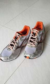 Mizuno running shoes US8.5