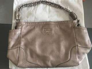 勁减!🈹️價Prada 型格 Grey Silver Bag