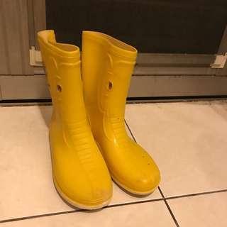 🚚 黃色短筒雨鞋 適合23.5-24