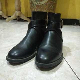 Zara Boots (sz. 37)