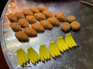 牛角包、漢堡包、香蕉裝飾,可以當擦膠使用