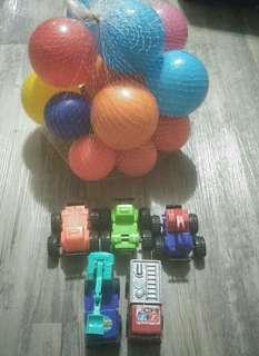 Mainan mobil dan bola anak