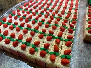 蛋糕形裝飾,可以當擦膠用
