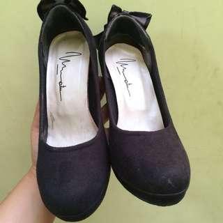 Handmade Shoes Heels Hitam