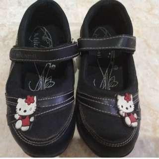 Sepatu anak Hello Kitty