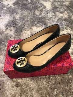 🚚 Like new Authentic Tory Burch shoes wedge size 8