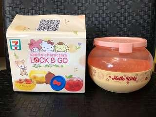 $30一個, $55兩個!7-11 lock & go Hello Kitty x line friends食物收納盒