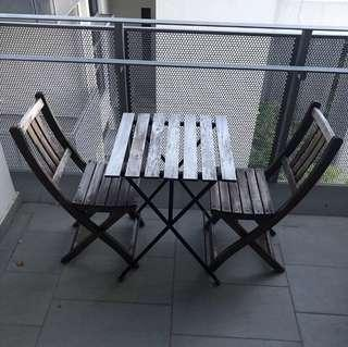 🚚 Outdoor Table And Chairs