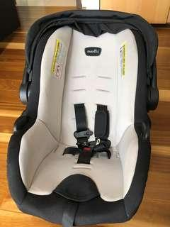 🚚 Evenflo Car Seat