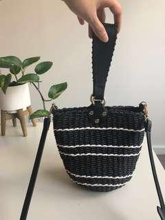 Cute weaved bucket hand bag