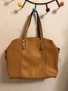 Accessorize handbag