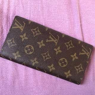 Knock-off Louis Vuitton Wallet