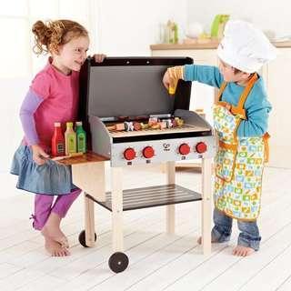 (原裝正貨) Hape Gourmet Grill (with food) 木製 玩具燒烤爐 玩具廚房 BBQ (原價$1,349)