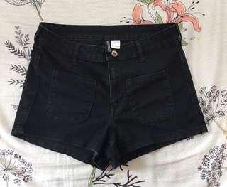H&M 黑色女裝短褲
