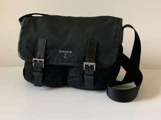 Authentic Prada Nero Tessuto Messenger Bag Medium