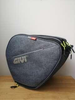 GiVi Tunnel Bag