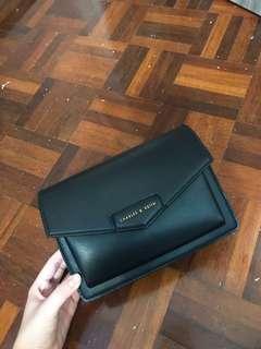 🚚 Charles & Keith Envelope satchel
