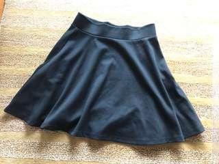 🚚 black short skirt