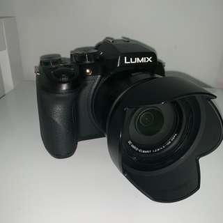 LUMIX FZ300 4K DSLR CAMERA