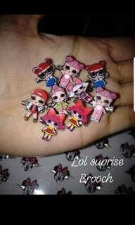 Mini brooch
