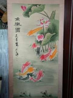河塘花錦鯉,畫者吴青霞,設色紙本立軸,尺寸51.5x25寸