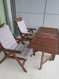 🚚 Patio table and chairs