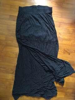 H&M Black Flowy Stretchable Skirt