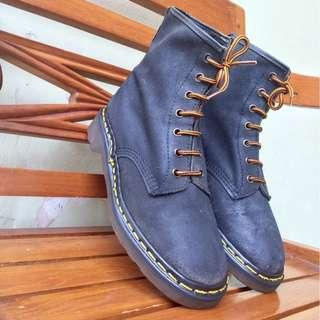 Dr. Martens 7-Eye Boot | Size 5 uk - Made in England