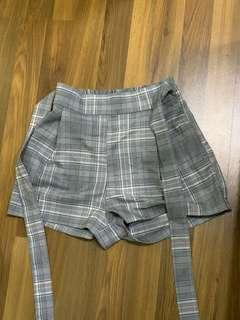 H&M checked shorts