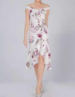 🚚 🔥 BRAND NEW! $25 Topazette Mermaid cut Floral dress (Size M)