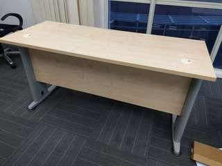 Barely-used Office Table for sale, 1500mm*600mm.